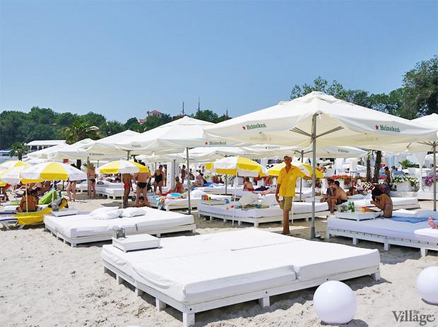 На песке: 5 пляжных клубов Одессы. Зображення № 12.