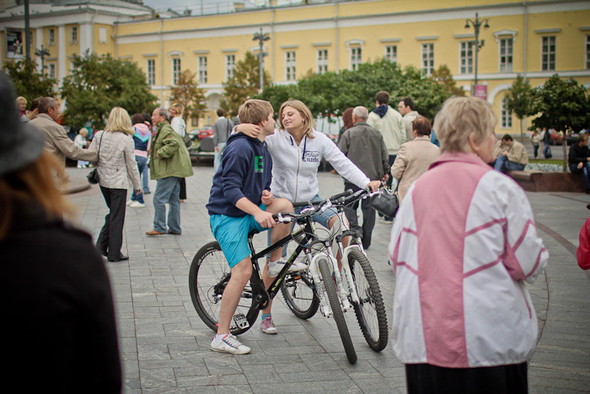 Универсальное поздравление: День города на московских улицах. Изображение № 26.