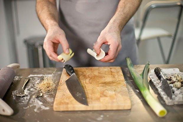 Шеф дома: Котлета из цесарки и пирог-галета Дениса Крупени. Изображение № 115.
