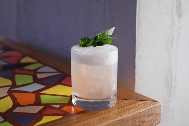 5 летних алкогольных коктейлей, которые можно сделать дома. Изображение № 5.