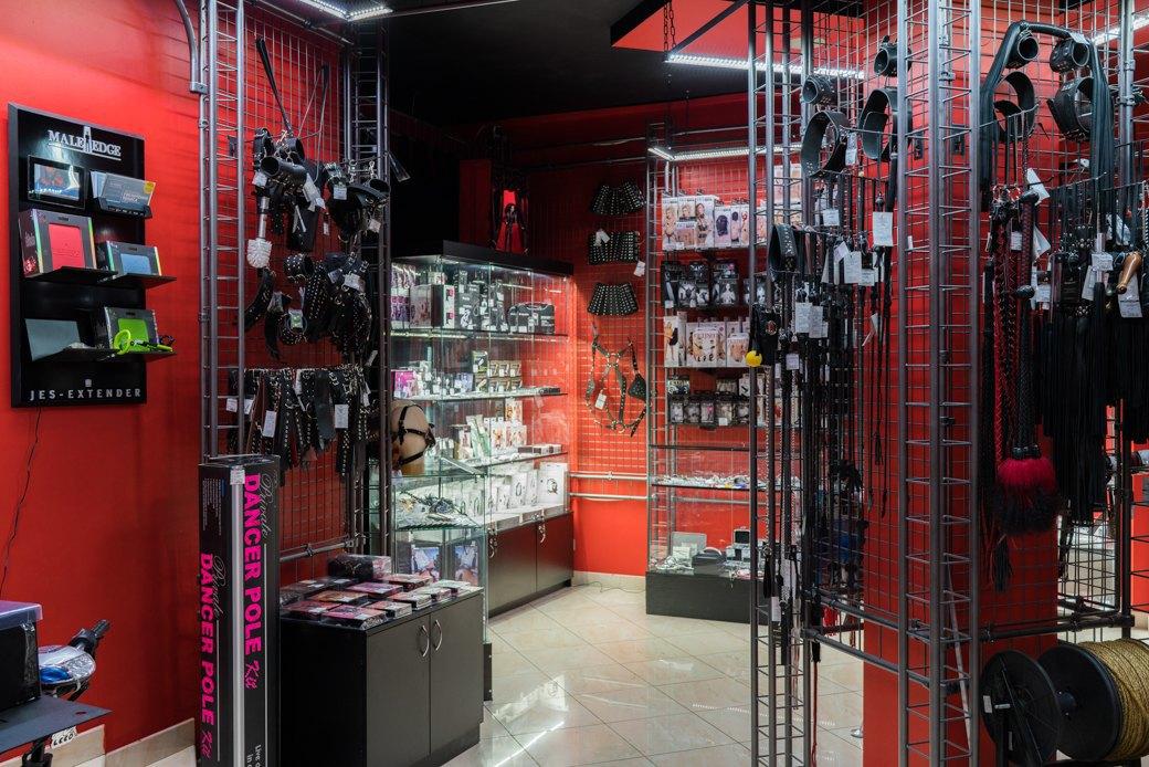 Лучшие секс-шопы Москвы: Куда идти за боа в перьях, стеками иновыми впечатлениями. Изображение № 32.
