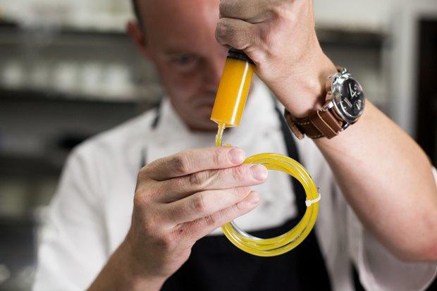 Сифон икулинарные шприцы шеф-повара Дэниела Фиппарда . Изображение № 3.