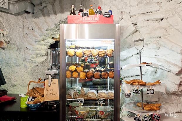 Семейная кофейня «БольшеКофе!» открылась в гроте Александровского парка. Изображение № 8.