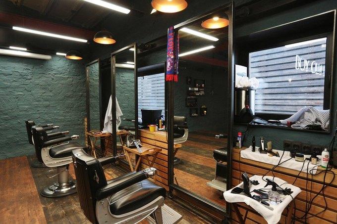 На «Красном Октябре» открылась парикмахерская сбаром Boy Cut Bar. Изображение № 3.