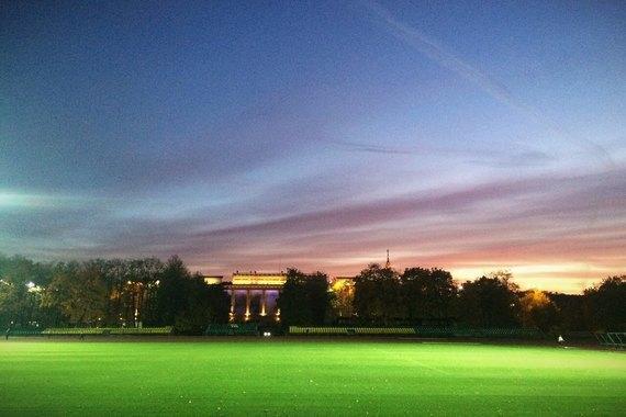 Осенний закат вМоскве. Изображение № 19.