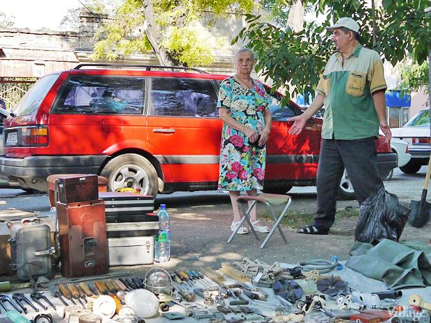 Рыночные отношения: Что продают на Староконке (Одесса). Изображение № 1.