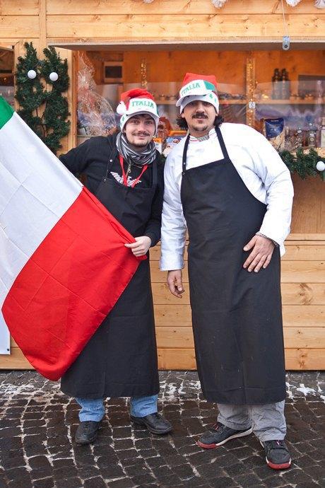 Люди в городе: Продавцы рождественской ярмарки на Островского. Изображение № 46.
