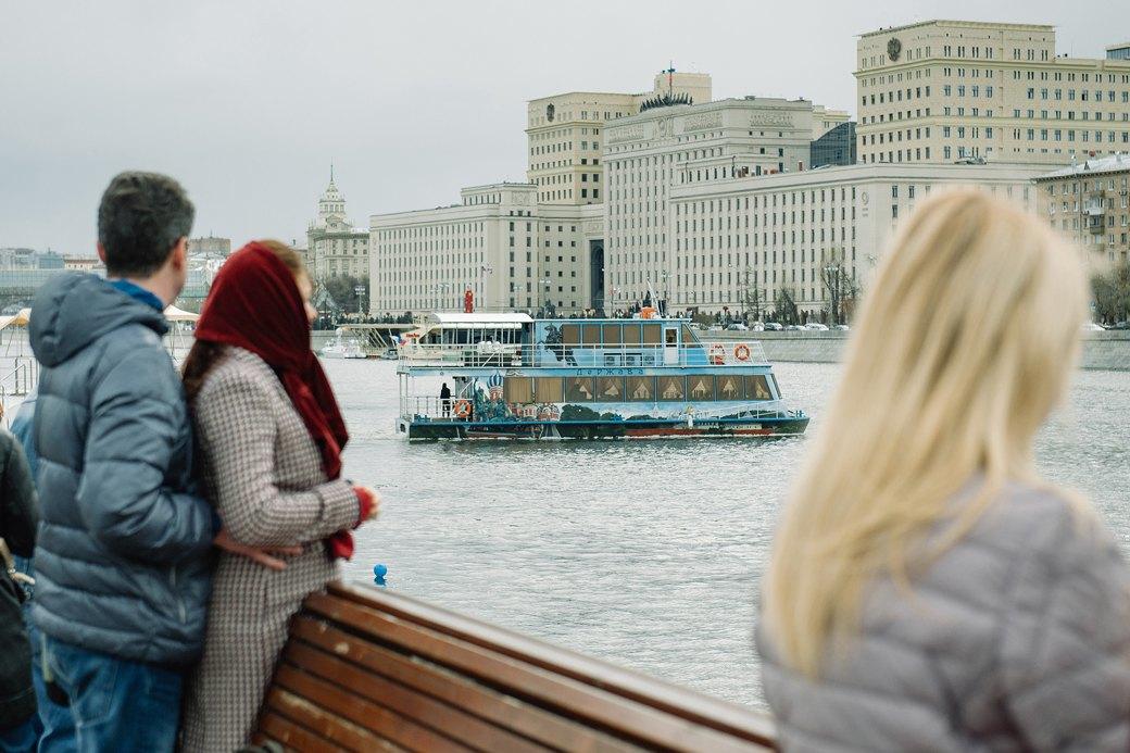 Как прошёл первый парад пассажирских теплоходов в Москве. Изображение № 4.