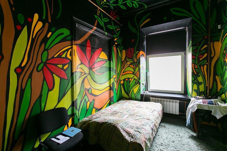 Квартира художника смансардой. Изображение № 15.