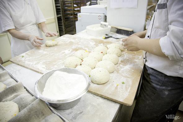 Фоторепортаж с кухни: Как пекут хлеб в «Волконском». Изображение № 12.