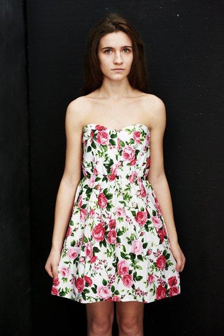 Вещи недели: 12 платьев сцветочным принтом. Изображение № 5.