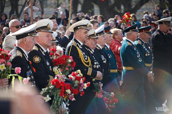 День Победы в Москве и Петербурге: Как гуляют и о чём вспоминают ветераны 9 Мая. Изображение № 44.
