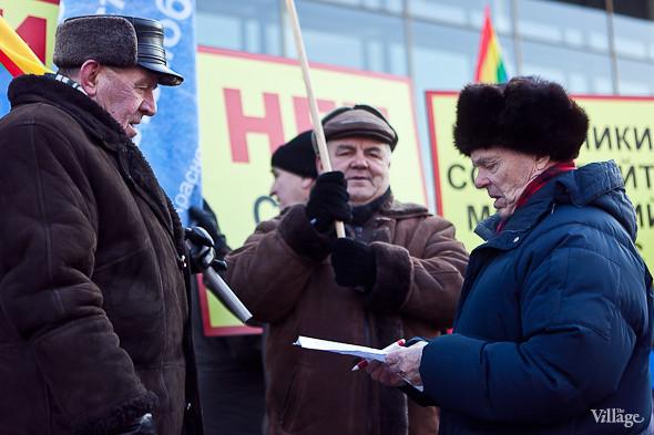 Фоторепортаж: Митинг в поддержку Путина в Петербурге. Изображение № 5.