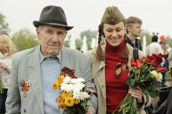 День Победы в Москве и Петербурге: Как гуляют и о чём вспоминают ветераны 9 Мая. Изображение № 9.
