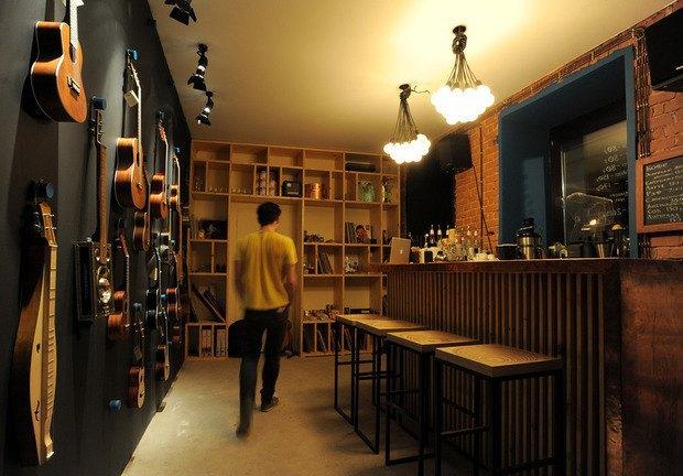 Чёрный «квадрат»: Как кафе и магазины воюют с владельцами зданий . Изображение № 18.