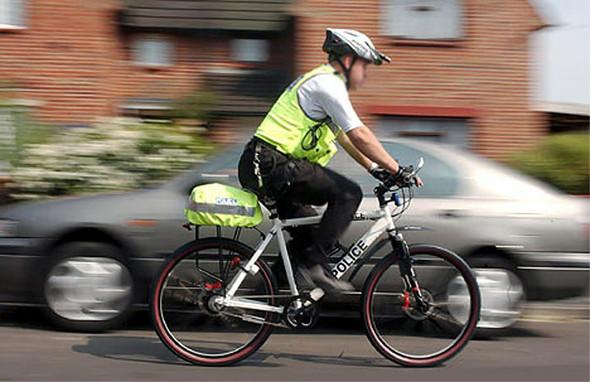 Лондонский Сити патрулируют полицейские на электрических велосипедах Wisper . Изображение № 3.