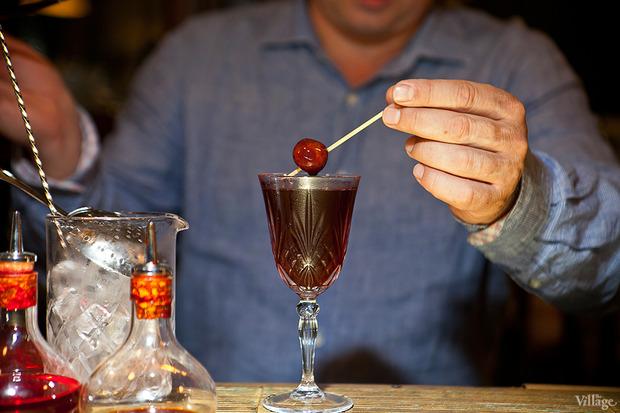 Поместить вишню в коктейль. Изображение № 27.