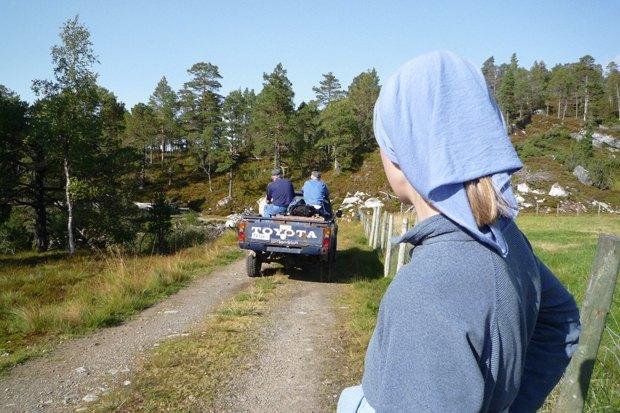 Как у них: Жители Норвегии, ЮАР, Испании — об отношениях с соседями. Изображение № 16.