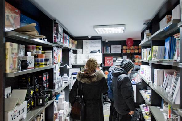 На Льва Толстого открылась лавка Артемия Лебедева «Шо за шоп». Зображення № 1.