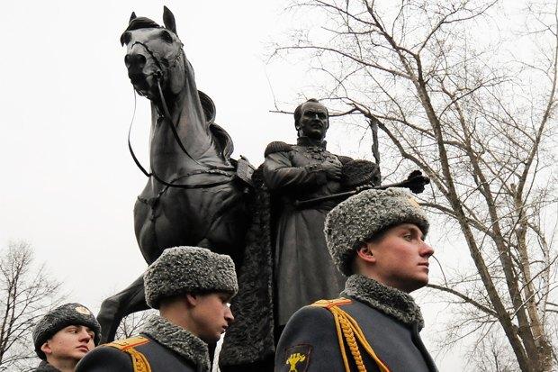 Кому икак ставят памятники вМоскве. Изображение № 3.