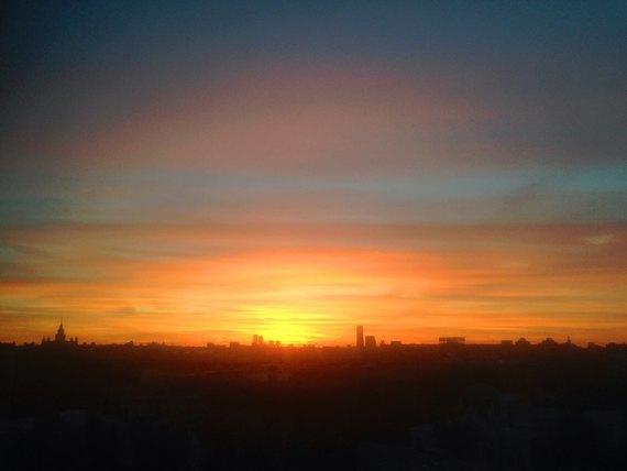 Осенний закат вМоскве. Изображение № 18.