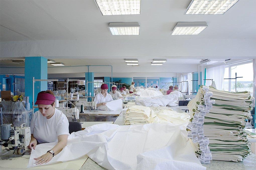 Производственный процесс: Как делают подушки. Изображение № 13.