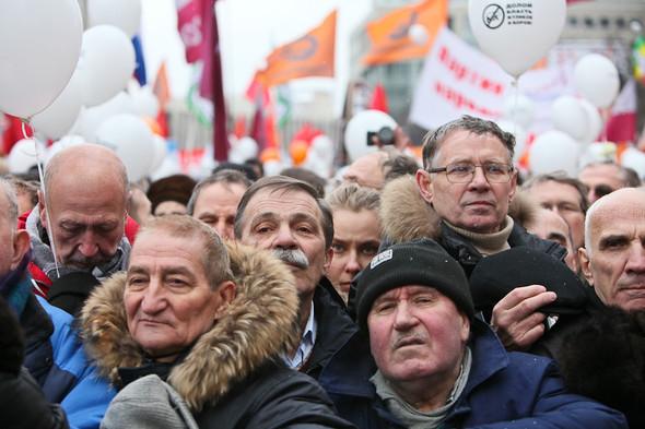 Митинг «За честные выборы» на проспекте Сахарова: Фоторепортаж, пожелания москвичей и соцопрос. Изображение № 25.
