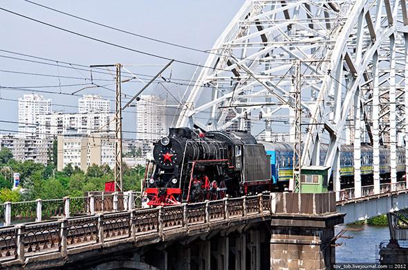 Вокруг Киева курсирует ретропоезд. Зображення № 5.