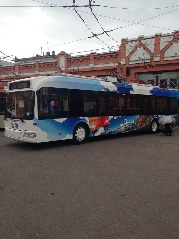 Раскрашенные троллейбусы «Б». Изображение № 4.