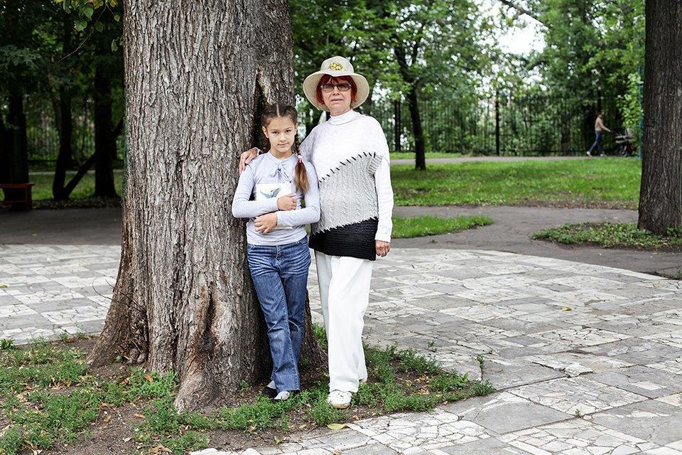 Выход в город: Маша и Алла впарке на Автозаводской. Изображение № 1.