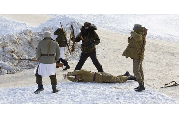 В Петербурге реконструируют битву Афганской войны с БТР и конными караванами. Изображение № 7.