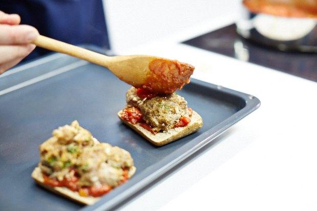 Шеф дома: Смэш-бургер и хиро-сэндвич Федора Тардатьяна. Изображение № 32.