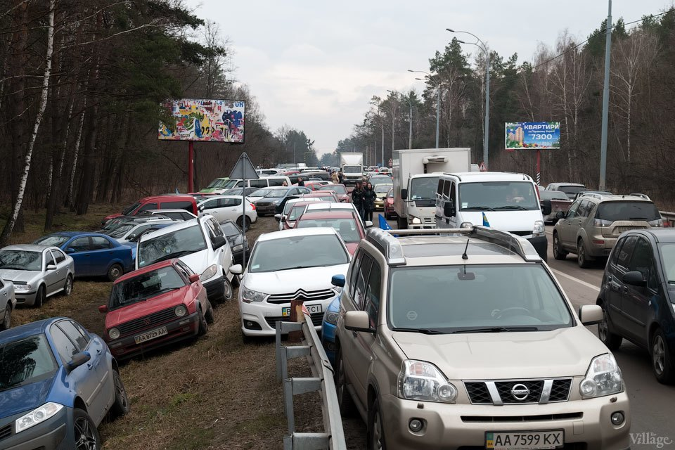 Народное движение: За чем едут в резиденцию Виктора Януковича. Изображение № 2.