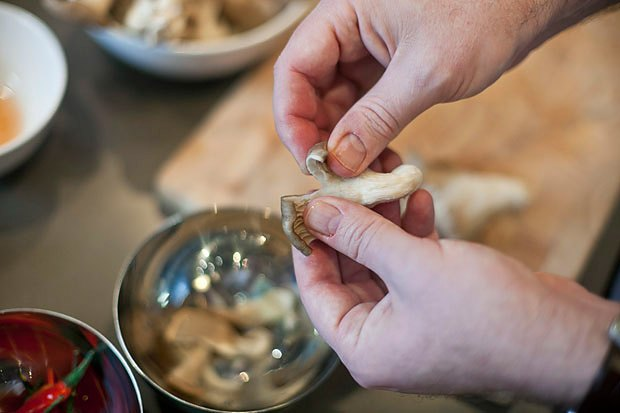Шеф дома: Том ям и сашими из тунца Геннадия Иозефавичуса. Изображение № 33.