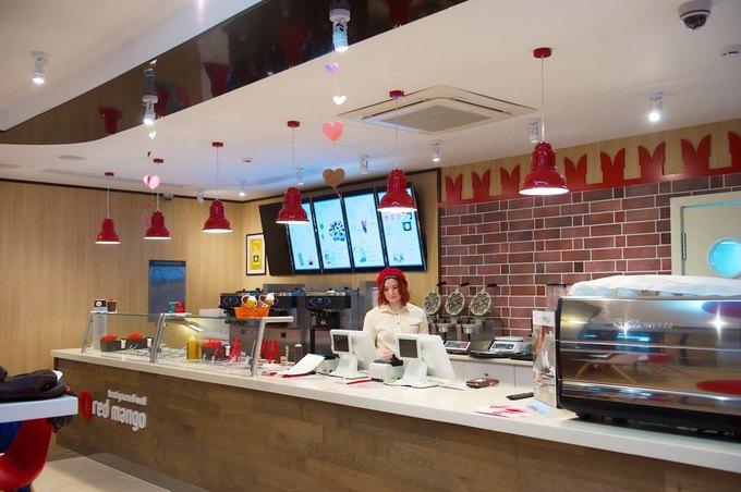 На Никольской улице открылось кафе сзамороженными йогуртами Red Mango. Изображение № 1.
