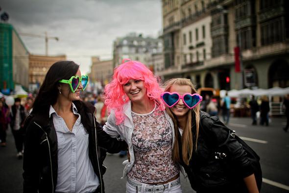 Универсальное поздравление: День города на московских улицах. Изображение № 29.