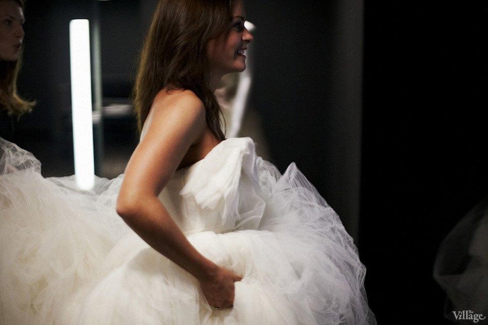 Любо-дорого: Невесты о свадебныхплатьях. Изображение № 12.