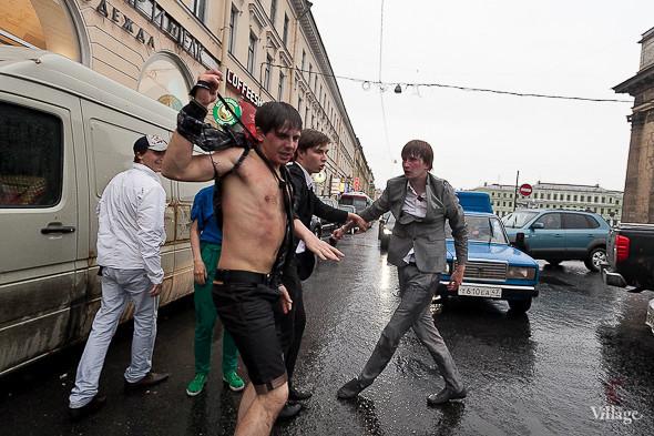 Фоторепортаж: Праздник выпускников «Алые паруса». Изображение № 3.