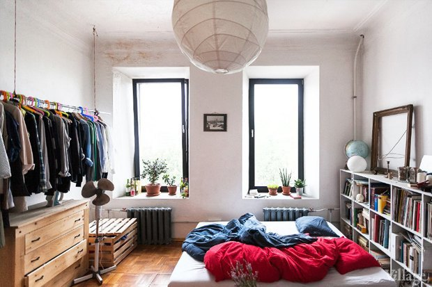 Гид The Village: Как обжить съёмную квартиру, если хозяева против ремонта. Изображение № 2.