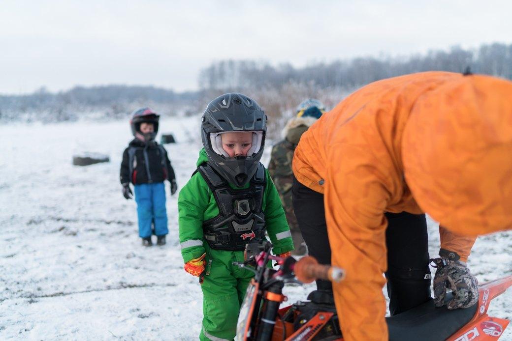 Мотодетки: Маленькие мотоциклисты иихродители — отом,зачем ребёнку гонки. Изображение № 7.
