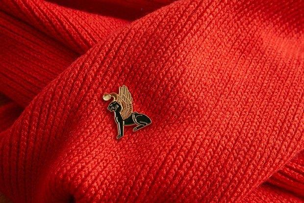 Марка HeartofMoscow запустила линейку значков ссимволами Петербурга. Изображение № 19.