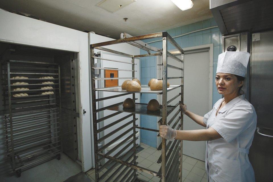 Производственный процесс: Как готовят кошерный хлеб. Изображение № 7.