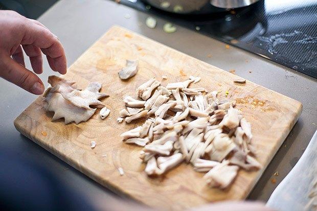 Шеф дома: Грузин и итальянец готовят по рецептам бабушек. Изображение № 102.
