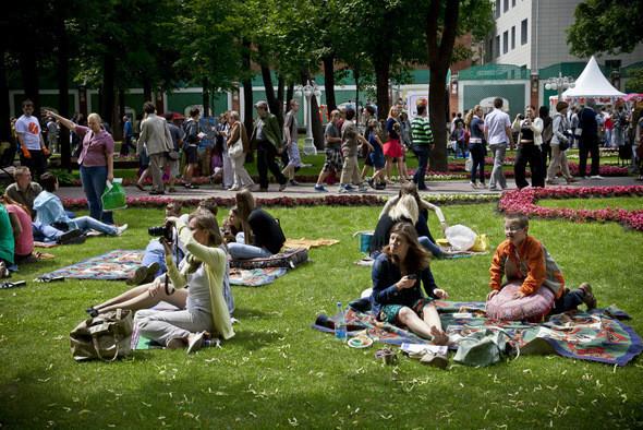 В Парке Горького открылся большой фестиваль еды