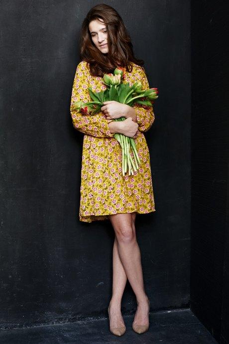 Вещи недели: 12 платьев сцветочным принтом. Изображение №4.