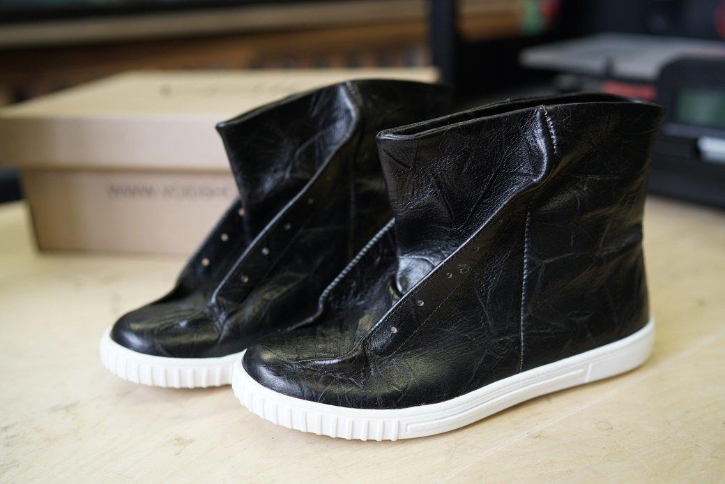 «Пришёл запрос от стилистов Леди Гаги»: Кто икак делает обувь вПетербурге. Изображение № 13.