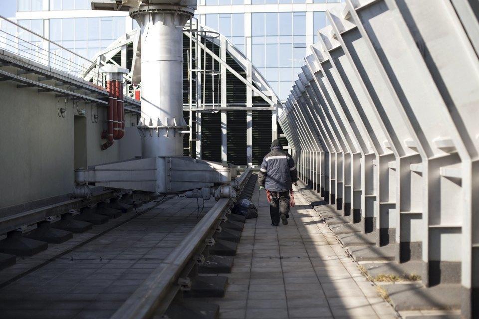 Как моют окна насмотровой площадке «Москва-Сити». Изображение № 12.