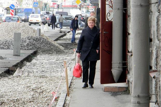 Тротуар на Малом проспекте. Изображение № 1.