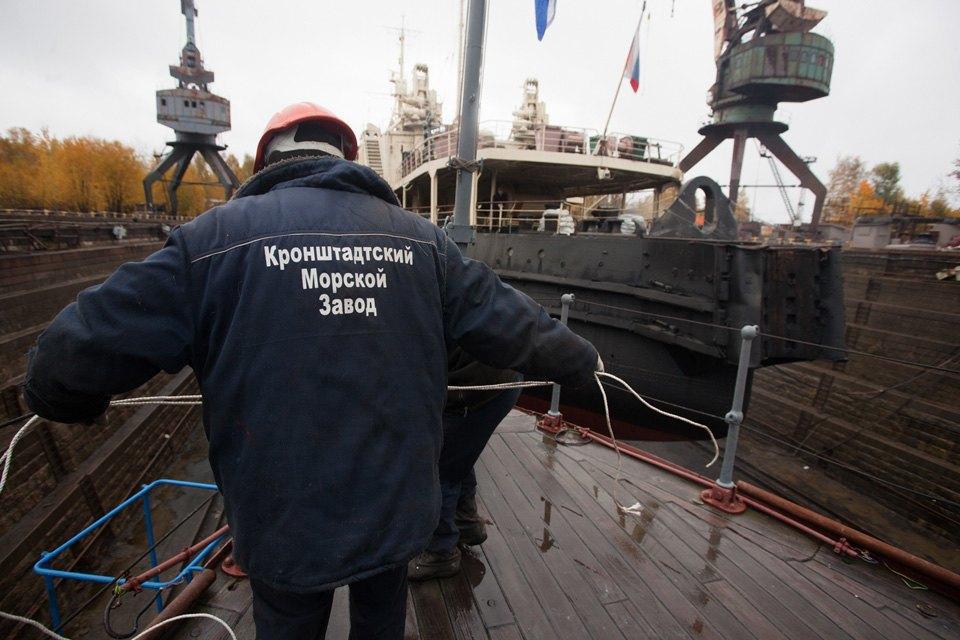 Как ремонтируют крейсер «Аврора». Изображение № 10.