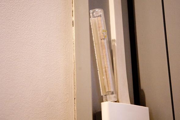 На входе в кофейню установлена мезуза.. Изображение № 4.
